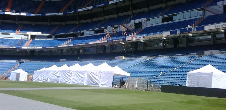 carpas plegables en estadio Santiago Bernabeu