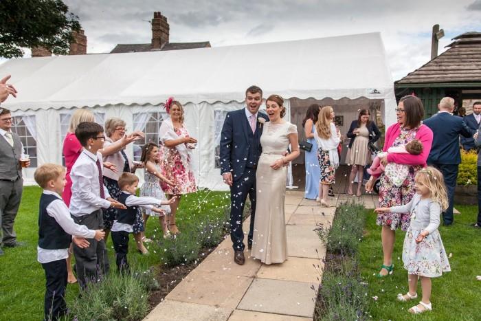 carpa desmontable para boda en jardin